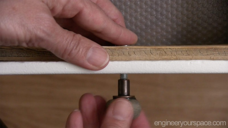 Putting-in-knobs
