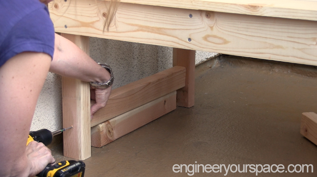 DIY-outdoor-bench-Step-6