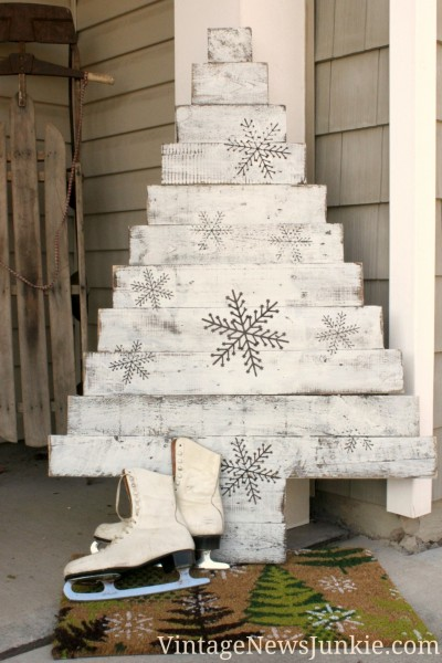 Wood Pallet Christmas Tree.My Top 10 Favorite Christmas Tree Ideas For Small Spaces