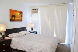 Krystina's-bedroom-before-side-view